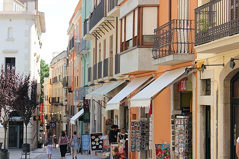 Visit Figueres A Travel Guide To The Town Of Figueres Spain