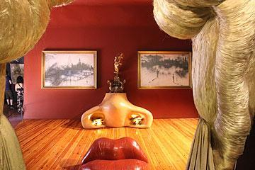 Mae West Room - Salvador Dali