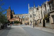 astorga-cathedral-palace