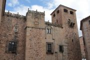 caceres-fine-building